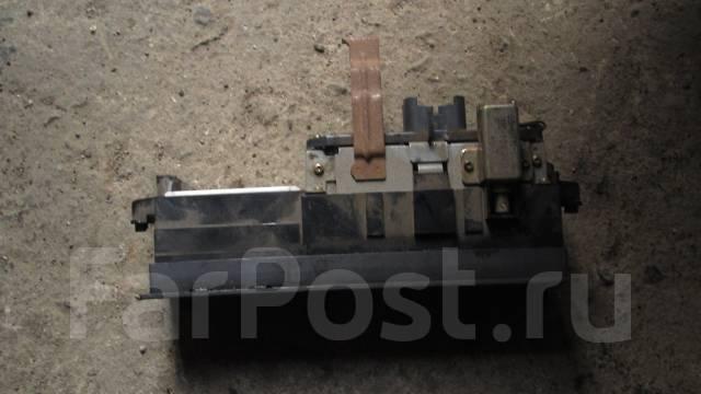 Блок управления климат-контролем на Mark 2 GX71 (нижний)