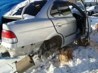 Стекло лобовое. Nissan Sunny, FB15