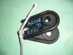 Крепление радиатора. Honda Accord, CF6