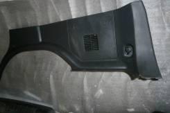 Обшивка багажника правая