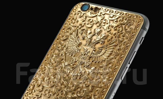 Золотые телефоны ручной работы от итальянского дизайнера.