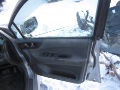 Ручка двери внутренняя. Mitsubishi Chariot Grandis, N84W Двигатель 4G64