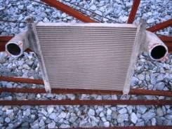 Радиатор интеркулера. Isuzu Giga Двигатель 6WA1