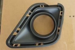 Рамка на туманку оправа Toyota Ractis, левая