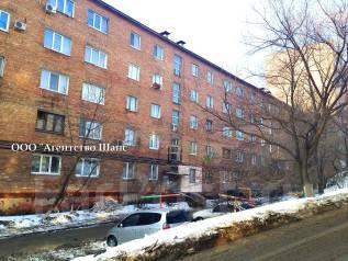 Гостинка, улица Корнилова 11. Столетие, агентство, 21 кв.м. Дом снаружи