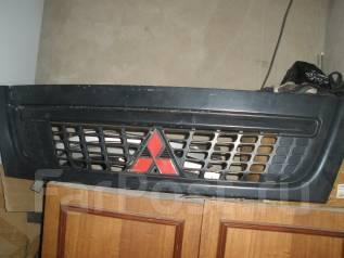 Решетка радиатора. Mitsubishi Canter