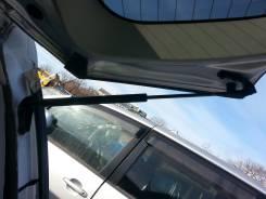 Амортизатор крышки багажника. Toyota Wish, ZNE14 Двигатель 1ZZFE