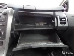 Бардачок. Toyota Corolla