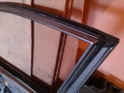 Продам резинку (уплотнение) правой передней двери Хонда Фит 2001-2007. Honda Fit