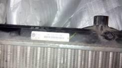 Радиатор охлаждения двигателя. Volkswagen Jetta