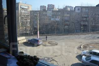 Сдаётся помещение под офис. 35 кв.м., улица Марины Расковой 2а, р-н Борисенко. Вид из окна