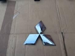 Эмблема решетки. Mitsubishi Pajero Sport