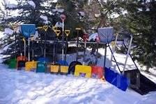 Лопаты снеговые.