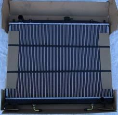 Радиатор охлаждения двигателя. Mitsubishi Pajero