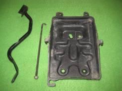 Кронштейн под аккумулятор. Daihatsu YRV, M201G Двигатель K3VE