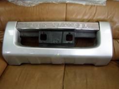 Накладка на бампер. Toyota Land Cruiser, UZJ200