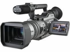 Sony DCR-VX2000. 6 - 6.9 Мп, с объективом