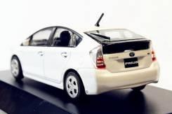 Модель Toyota Prius 30й кузов масштаб 1:43