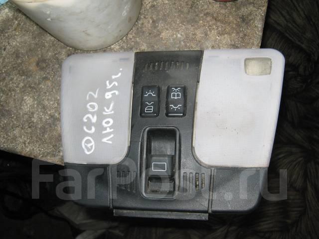 Кнопка люка. Mercedes-Benz C-Class, W202, 202