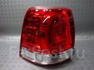 Стоп-сигнал. Toyota Land Cruiser, UZJ200W, VDJ200, GRJ200, URJ202, UZJ200 Двигатели: 1VDFTV, 1URFE, 1GRFE, 2UZFE