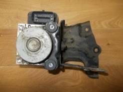 Блок abs. Toyota Corolla, ZRE151