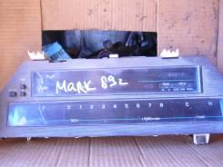 Панель приборов. Toyota Mark II Двигатель 1GFE