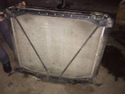 Радиатор охлаждения двигателя. Freightliner Century