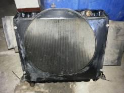 Радиатор охлаждения двигателя. Toyota Dyna