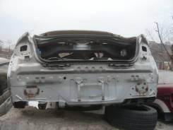 Задняя часть автомобиля. Nissan Skyline, V35 Двигатель VQ25DD