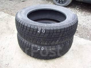 Bridgestone. Зимние, 2010 год, износ: 10%, 2 шт