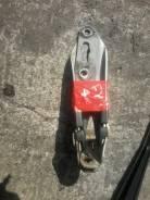 Крепление капота. Honda Partner, EY8 Двигатель D16A