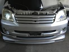 Фара противотуманная. Toyota Noah, AZR60