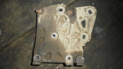 Крепление компрессора кондиционера. Nissan Presea, PR10 Двигатель SR18DI