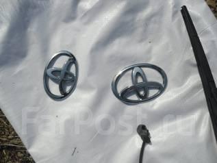 Эмблема. Toyota Ractis