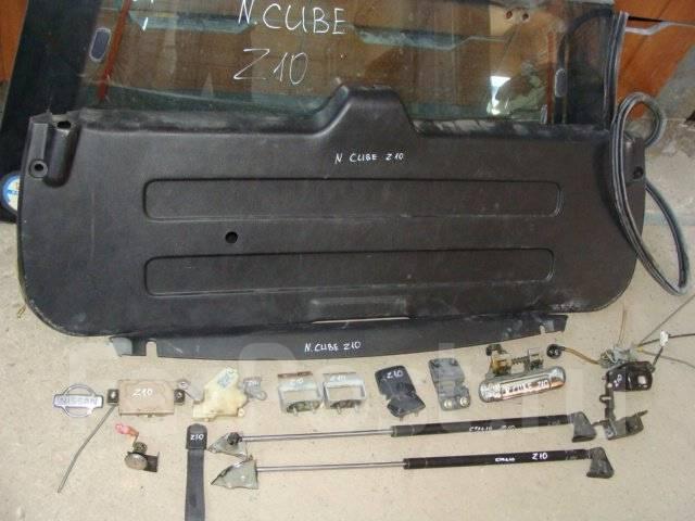 Эмблема. Nissan Cube, Z10 Двигатель CG13DE