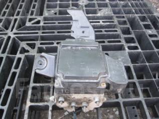 Блок abs. Toyota Noah, AZR65 Двигатель 1AZFSE