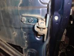 Крепление боковой двери. Mitsubishi Outlander Mitsubishi Lancer X Mitsubishi ASX
