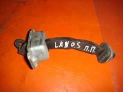 Ограничитель двери. Chevrolet Lanos