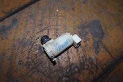 Мотор бачка омывателя. Nissan Laurel, HC35 Двигатель RB20DE