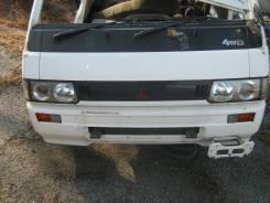 Решетка радиатора. Mitsubishi Delica, P35W