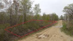 Продам земельный участок в районе поворота на Тавричанку. 1 000 кв.м., собственность, электричество, от частного лица (собственник). Фото участка