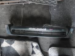 Решетка радиатора. Toyota Caldina, ST190G