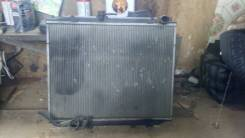 Радиатор охлаждения двигателя. Nissan Mistral, R20 Двигатели: TD27T, TD27
