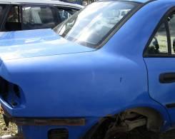 Крыло. Mitsubishi Carisma