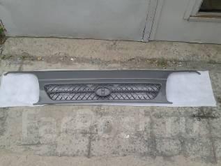 Решетка радиатора. Toyota Hiace, LH178, LH178V