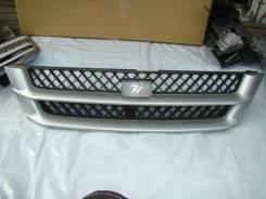 Решетка радиатора. Toyota Grand Hiace, VCH16W
