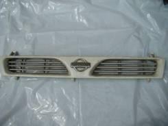 Решетка радиатора. Nissan Pulsar, FN14