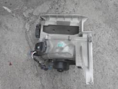 Корпус моторчика печки. Toyota Land Cruiser, UZJ100L Двигатель 2UZFE