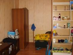 Сдам койко-место в комнате в центре 7300. 2-комнатная, Адмирала Фокина ул. 9, р-н Центр, аренда долгосрочная (год и более), мне 30 лет, пол женский