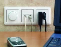 Монтаж розеток, выключателей